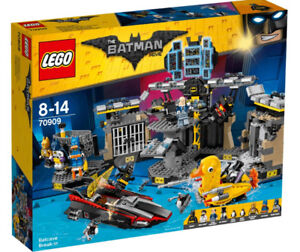 Save $22 Lego Batman Movie 70909 Batcave Break-In Exclusvie Figs