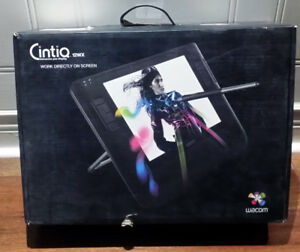 Wacom Cintiq 12WX - Screen tablet for artists and photographers.