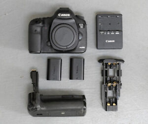 Canon EOS 5D Mark III DSLR Camera + Extras