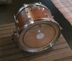 Vintage '80's Bass-drum 22x14 + wrap noir d'origine