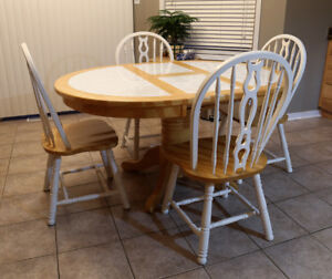 Solid pine dining table set.