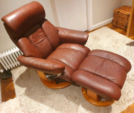DELIVERY INCLUDED VGC SUPERB QUALITY leather swivel recliner armchair
