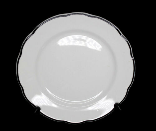 "Buffalo China Restaurant Ware Manhattan Black Scalloped Rim 9.25"" Luncheon Plate"