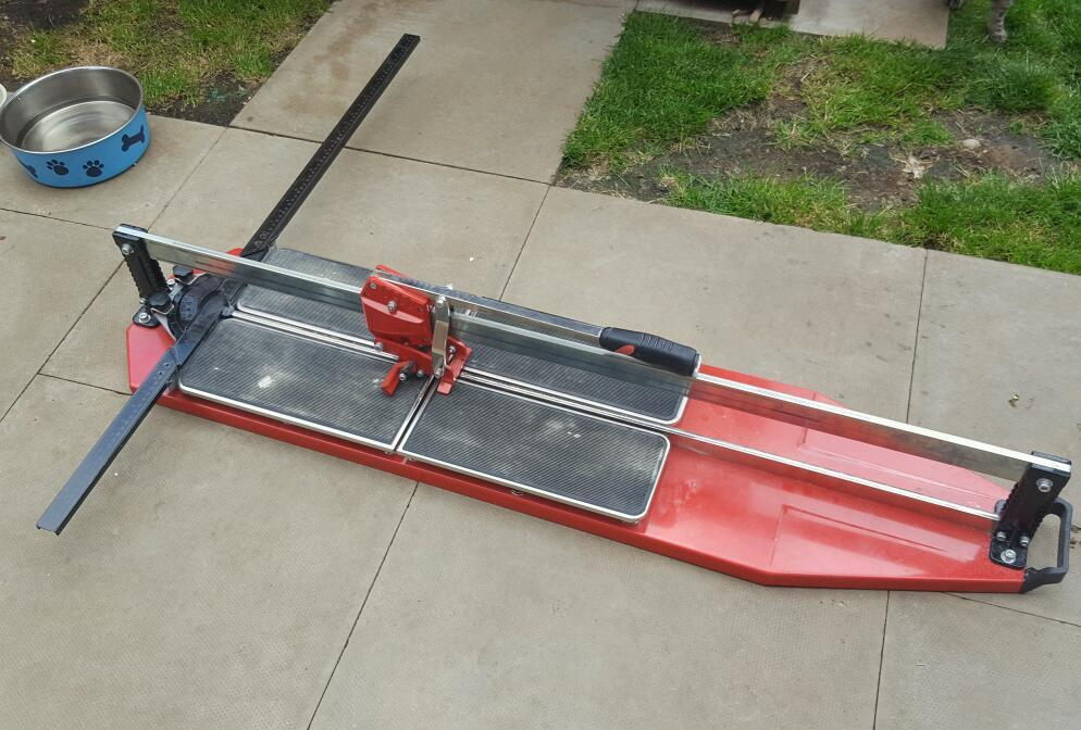 Genesis 1000 Tile Cutter Cuts Upto 1m Length Ex Condition