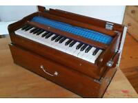Vintage Harmonium