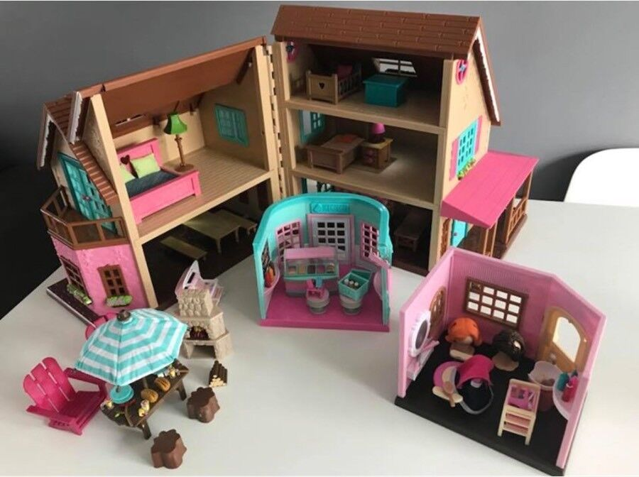 Lil Woodzeez Dolls House With Lights Patio Furniture Hair Salon Ice