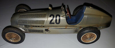 CMC 1/18 Mercedes Benz W25 20 Dirty Hero 1934 Eifel Race Silver Arrow M147 1000