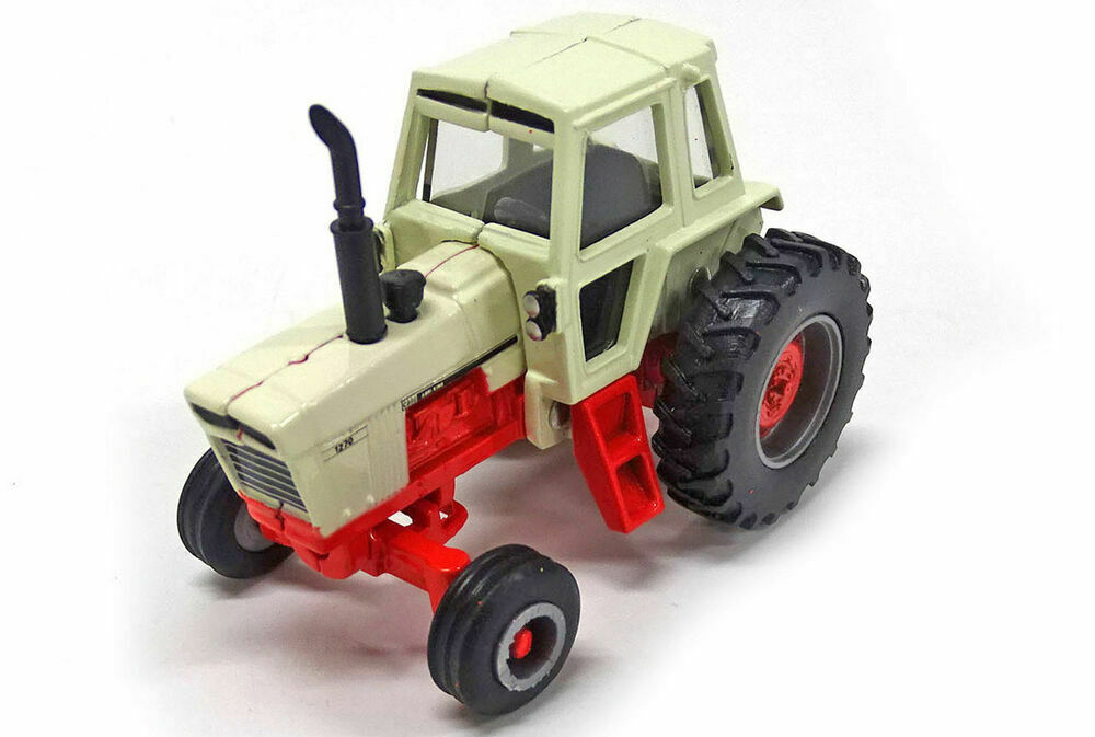 Case 1270 Tractor with Cab  - 1/64 scale
