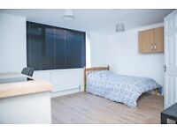 *Student studio apartment* Fraser road Southsea BILLS INCLUDED close walk to university