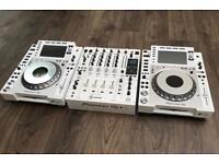 Pioneer CDJ 2000 NXS2 + DJM 900 NXS2 WHITE SETUP Limited edition - Boxed as new NEXUS 2