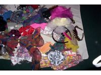 LARGE BAG OF WOMENS HAIR BITS AND BOBS