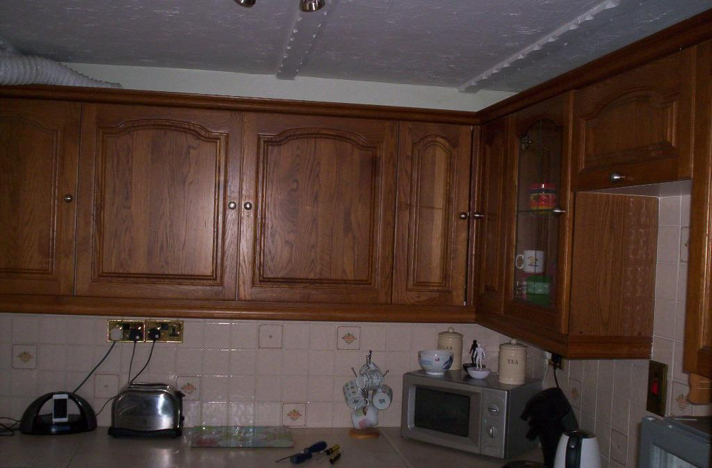 Used solid oak kitchen doors units for saleas described for Oak kitchen units for sale