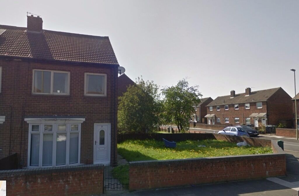 3 Bed semi detached House large garden renovated