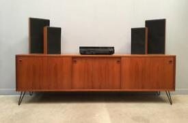 B&O Bang & Olufsen turntable/record player and speakers.