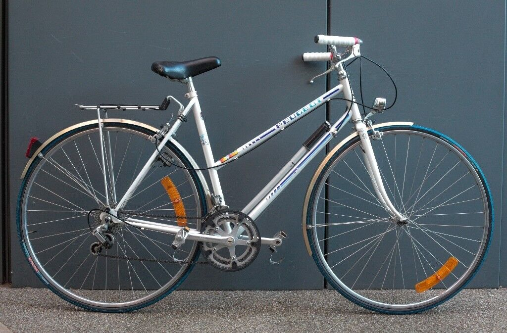 Immaculate Vintage French Lightweight Peugeot Ladies Town Bike with Pannier Rack 54cm Frame