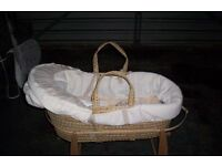 mamas and papas mosses basket and stand