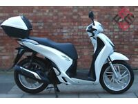 Honda SH 125 (65 REG) As new condition ONLY 422 MILES!