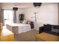 AN AMAZING, CLEAN AND SPACIOUS DOUBLE ROOM