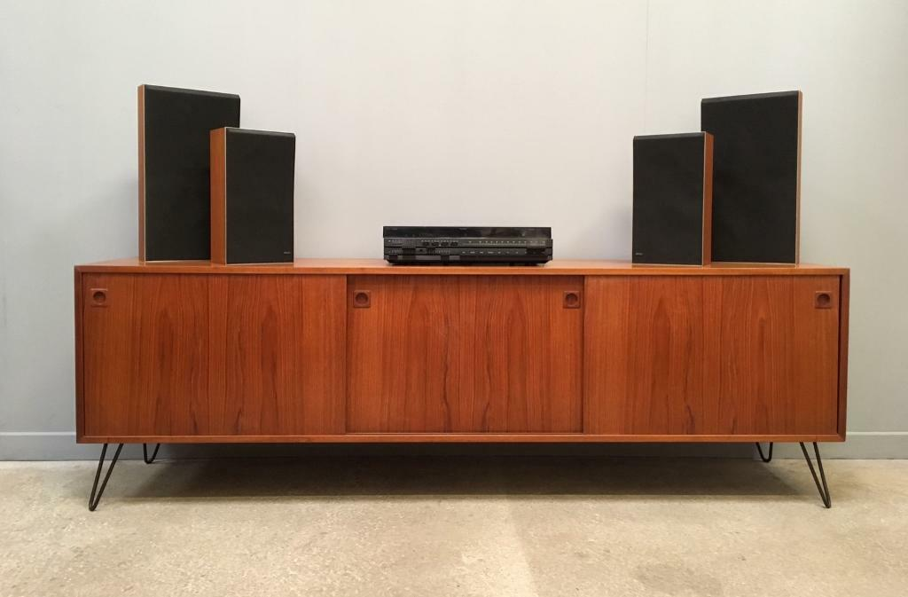 B&O Bang & Olufsen 1800 record player with speakers