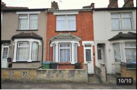 3 bed house in North Watford