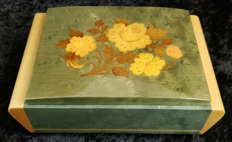 """Beautiful Swiss Reuge Music Box plays """"Always"""" Floral inlay 7 x 4.75 x 2.75"""""""