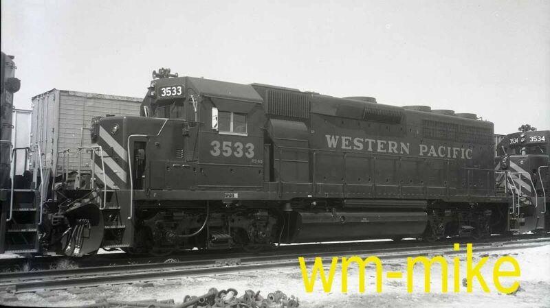 #B-187  WP Western Pacific new GP40 #3533 in 1971 ORIGINAL B&W Negative