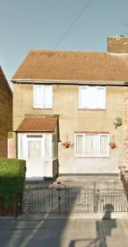 TO RENT - 3 Bedroom - Semi Detached House
