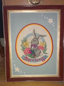 BUNNY PICTURE - WOODEN FRAME