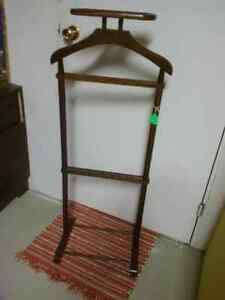 Wooden Suit/Dress Clothes Stand/Valet