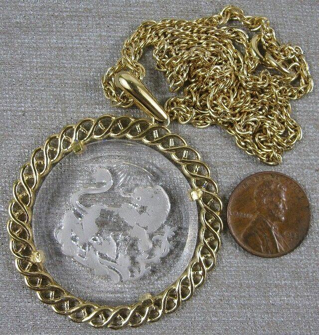 "Nice Vintage Necklace & Glass Lion Cameo Pendant Goldtone 20"" Crown Trifari"
