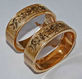 14ct/14k SOLID Gold WEDDING Bangle Pair VICTORIAN Bracelets West Hoxton Liverpool Area Preview