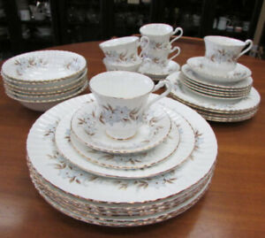 ROYAL STANDARD DAWN FINE CHINA SERVICE FOR 6 DINNERWARE SET