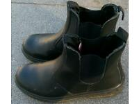 Black rock safety boots (size 10/44)
