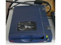 Iomega Zip drive with mains power supply, parallel cable and 1 x 100MB disc.