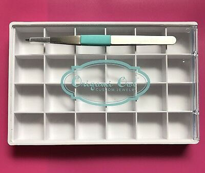 Origami Owl White Charm Tray With Tweezers, gently used