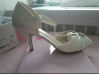 Pink by Paradox Bridal shoes size 6