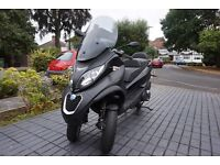 Like new! Piaggio MP3 500 LT SPORT ABS Can we driven on a car license no cbt required