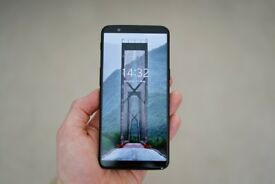 OnePlus 5T 128GB Midnight Black - With receipt & cases