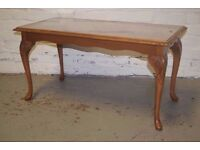 COFFEE TABLE WITH GLASS TOP & QUEEN ANNE LEGS