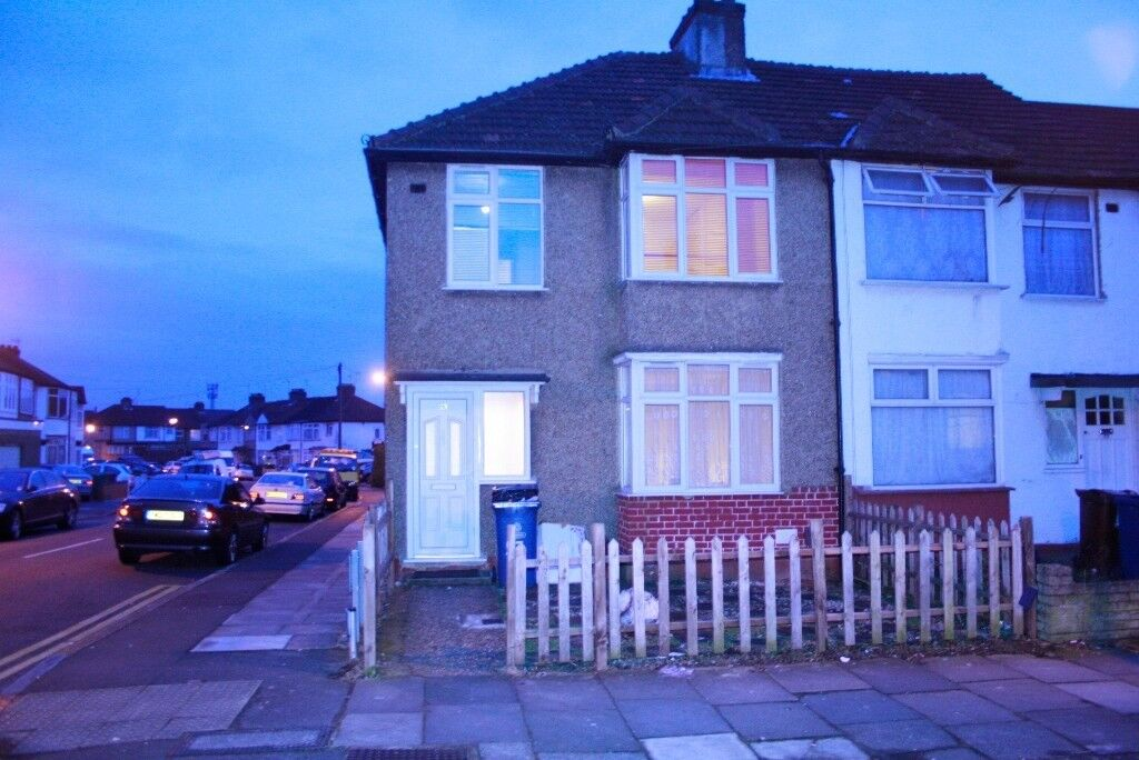 Three bedroom House to rent in Harrowweald