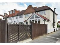 2 Bedroom house to rent out in Norbury
