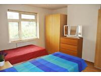 15 minutes to Oxford Circus Only £180pw! Lovely double room close to East Acton tube station!