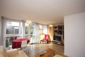 Spacious 3 bedroom garden flat near Finsbury Park & Archway Way. Available furnished - April 2017