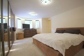 Immaculate 2 bedroom flat in kilburn available now