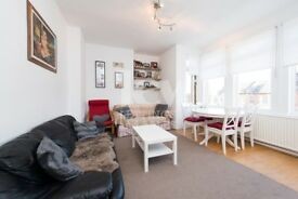 Delightful 2 Bedroom property on 125 Brownlow Road, N11