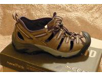 For Sale.... Size 9 ARROYO II Mens Keene Sandals