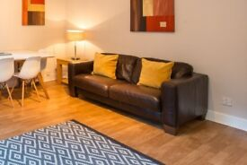 3 & 2 Seater Leather DFS Sofas (RRP £800)