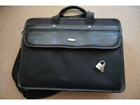 Great Condition Tech Air Laptop Bag With Padlock & Key