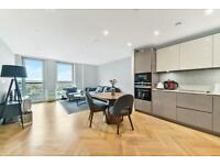 2 bedroom flat in Two Fifty One, Southwark Bridge Road, Southwark SE1