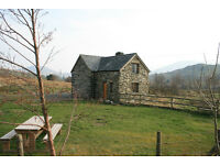 Holiday cottage in Snowdonia, Wales, sleeps 6, set in 20 acres, dogs welcome